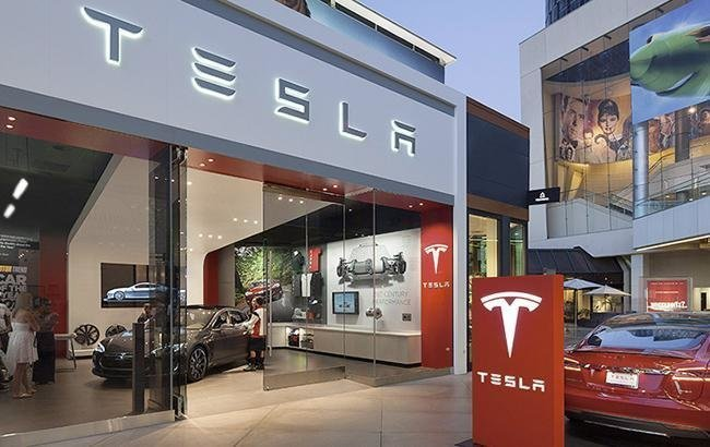 Вице-президент Tesla объявил освоем уходе изкомпании