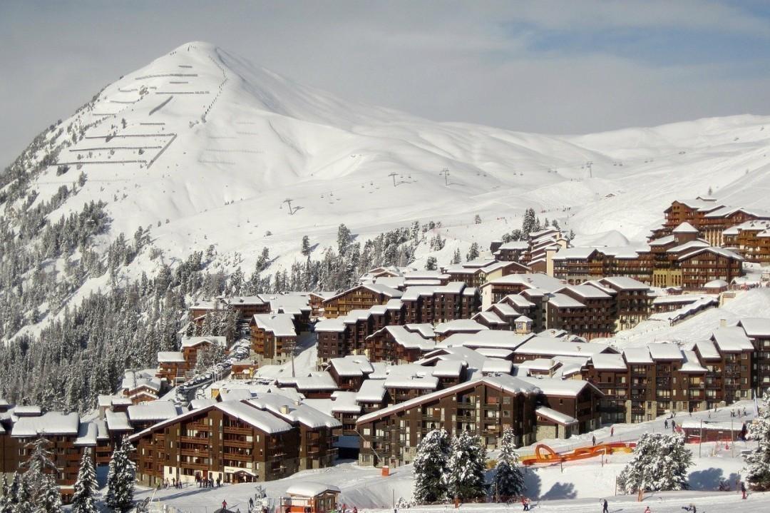 Где дешевле всего покататься на лыжах и сноуборде: обзор украинских и зарубежных курортов