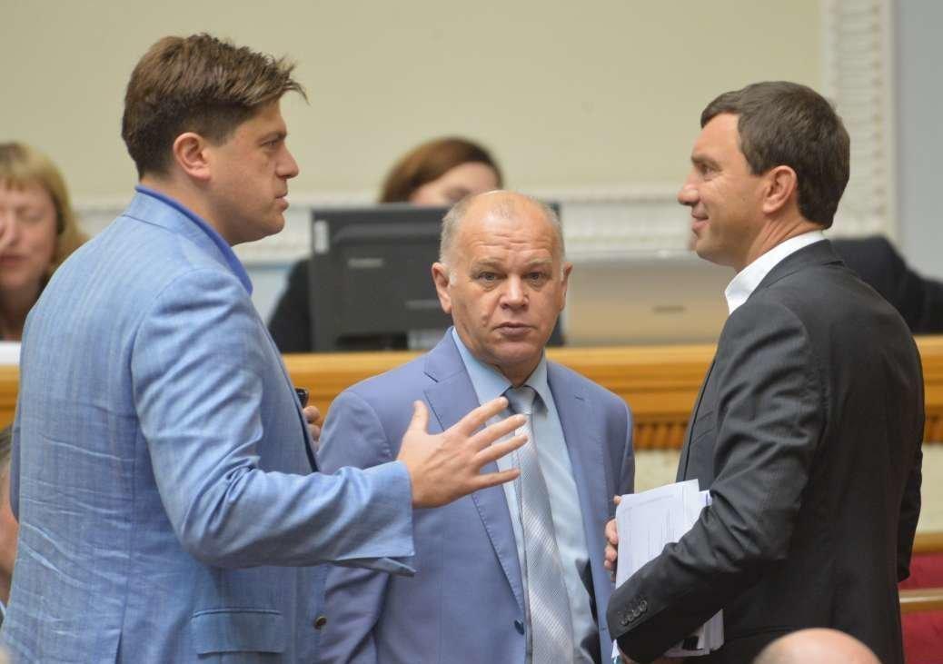 Верховная Рада соскандалом позволила украинцам невозвращать долги