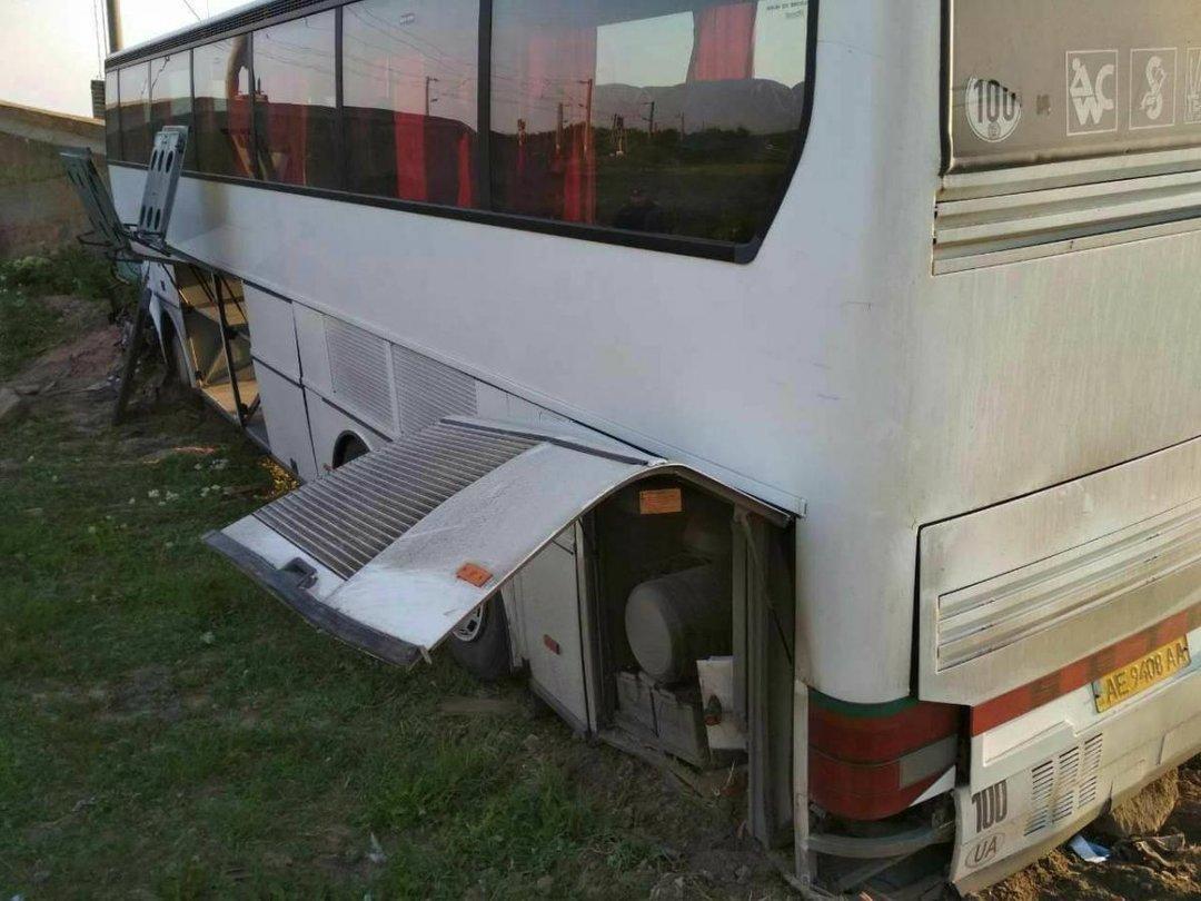 ВРумынии экскурсионный автобус из Украинского государства попал вДТП, есть пострадавшие