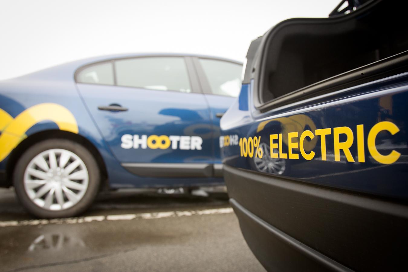 В Киеве состоялась презентация электромобилей-такси. Фото: Татьяна Довгань