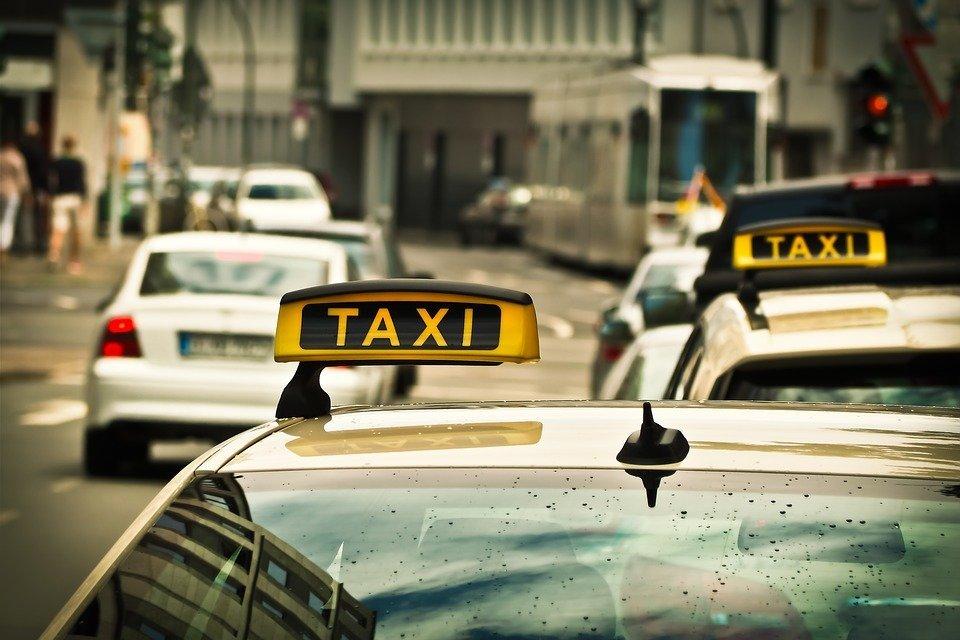 В Киеве может появиться муниципальное такси - : деловой новостной ...