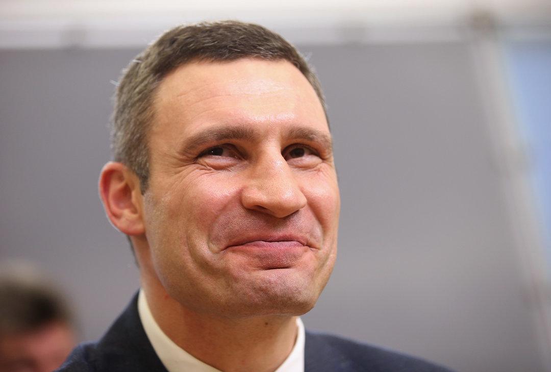 Кабмин увеличил должностной оклад Кличко до15,4 тыс. грн
