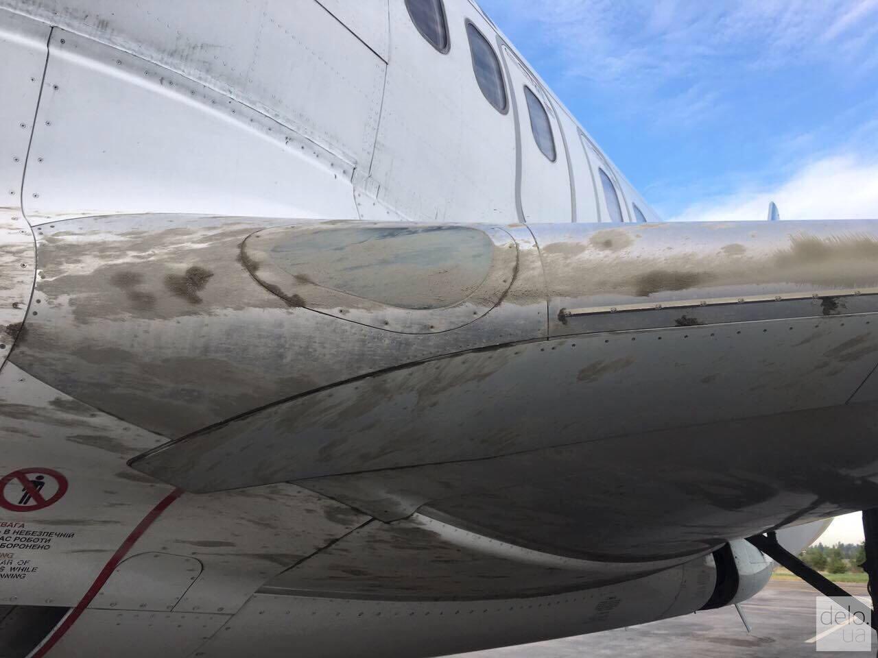 Фото повреждений самолета. Предоставлены МАУ