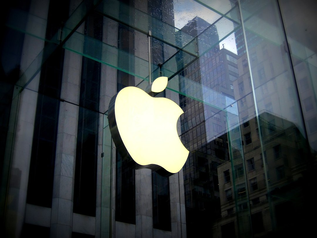 В Apple сообщили о дефектах в iPhone X і Mac Book Pro