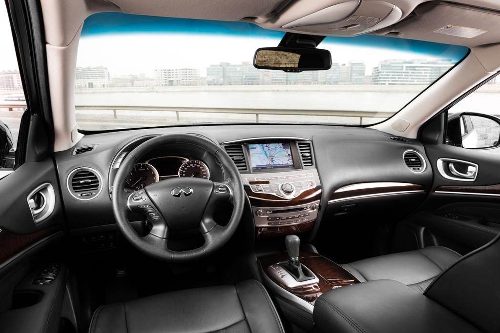 Большинством функций в авто можно управлять кнопками на руле