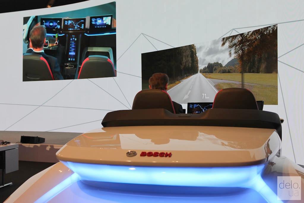 Электромобиль в виртуальной реальности / Фото Артем Ильин, Delo.UA