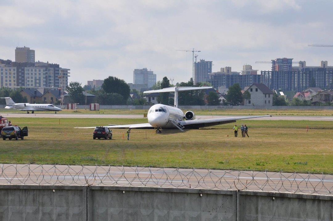 Аэропорт обвинил НАБУ: Авария самолета вЖулянах