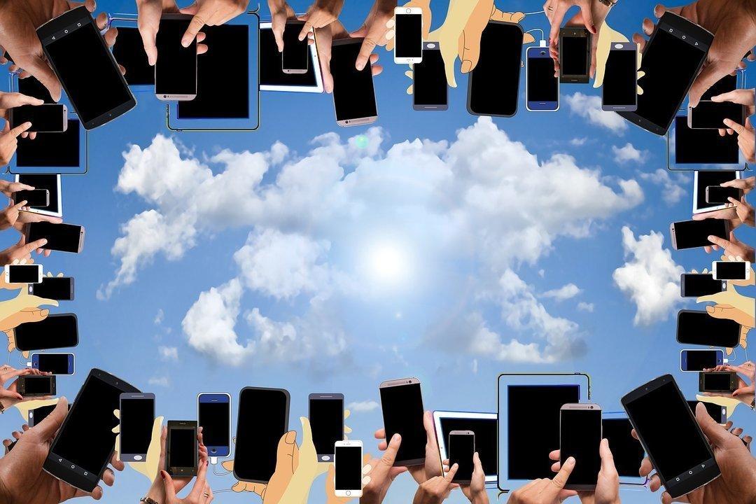 000bfe492a6c3 В 2017 году украинский рынок смартфонов вырос на 20% - : деловой ...