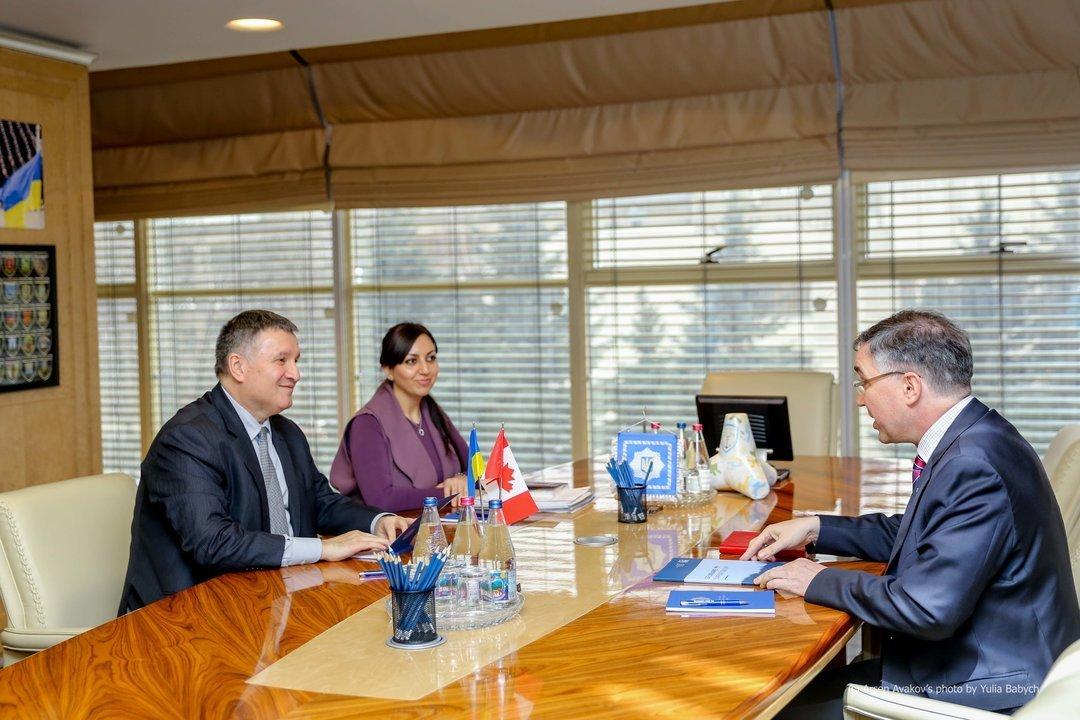 Посол Ващук: Канада увеличит вдвое количество офицеров-экспертов вУкраинском государстве