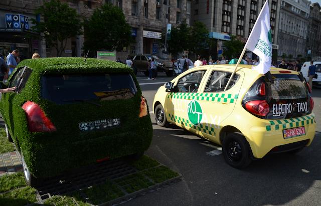 """Электромобили, участника выставки """"Чистые легкие"""""""