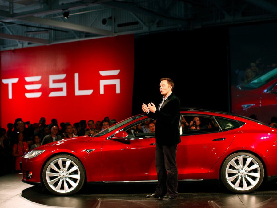Против Илона Маска из-за Tesla завели 3-е дело