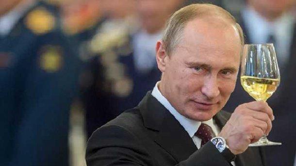 Путин подписал закон озамене военных кафедр в университетах учебными центрами