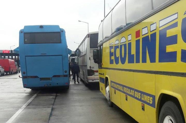 Очереди на границе Украины с Польшей