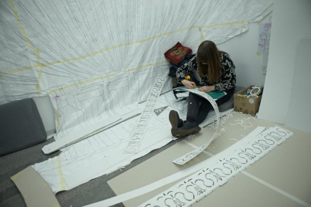 Пилар Кинтерос, Чили, реконструирует старый фонтан Майдана