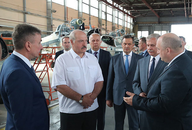 Лукашенко национализировал Оршанский авиаремзавод подконтрольный