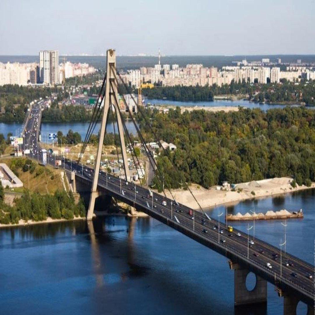 Украинские народные избранники решили переименовать Московский мост вКиеве