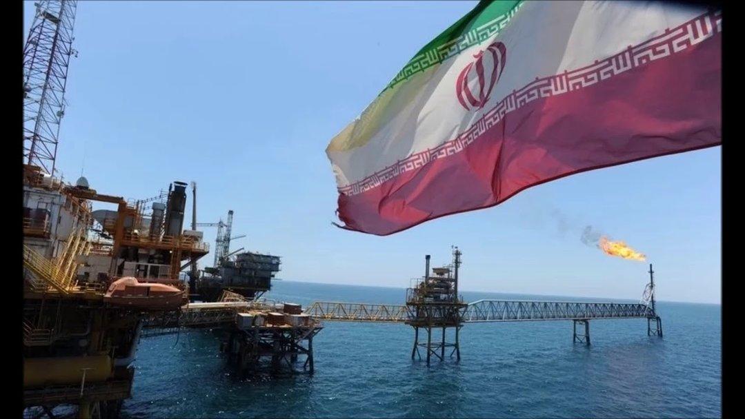 Китайские Sinopec иCNPC неразместили заказы наиранскую нефть