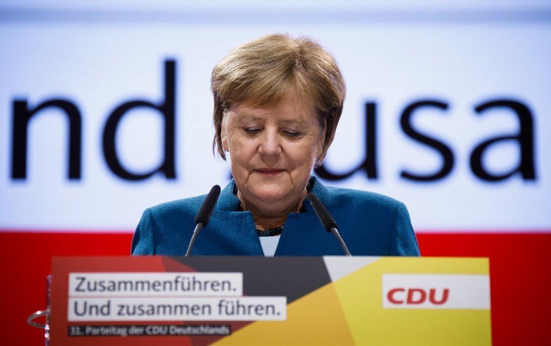 """""""Danke Chefin"""": Меркель покинула пост главы своей партии"""