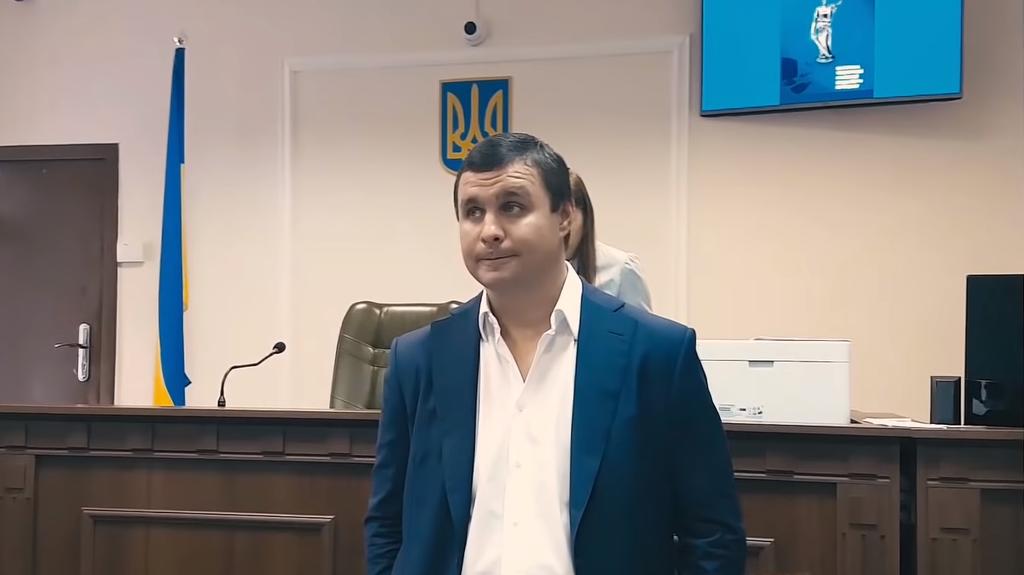 Суд арестовал компании и землю застройщика Микитася