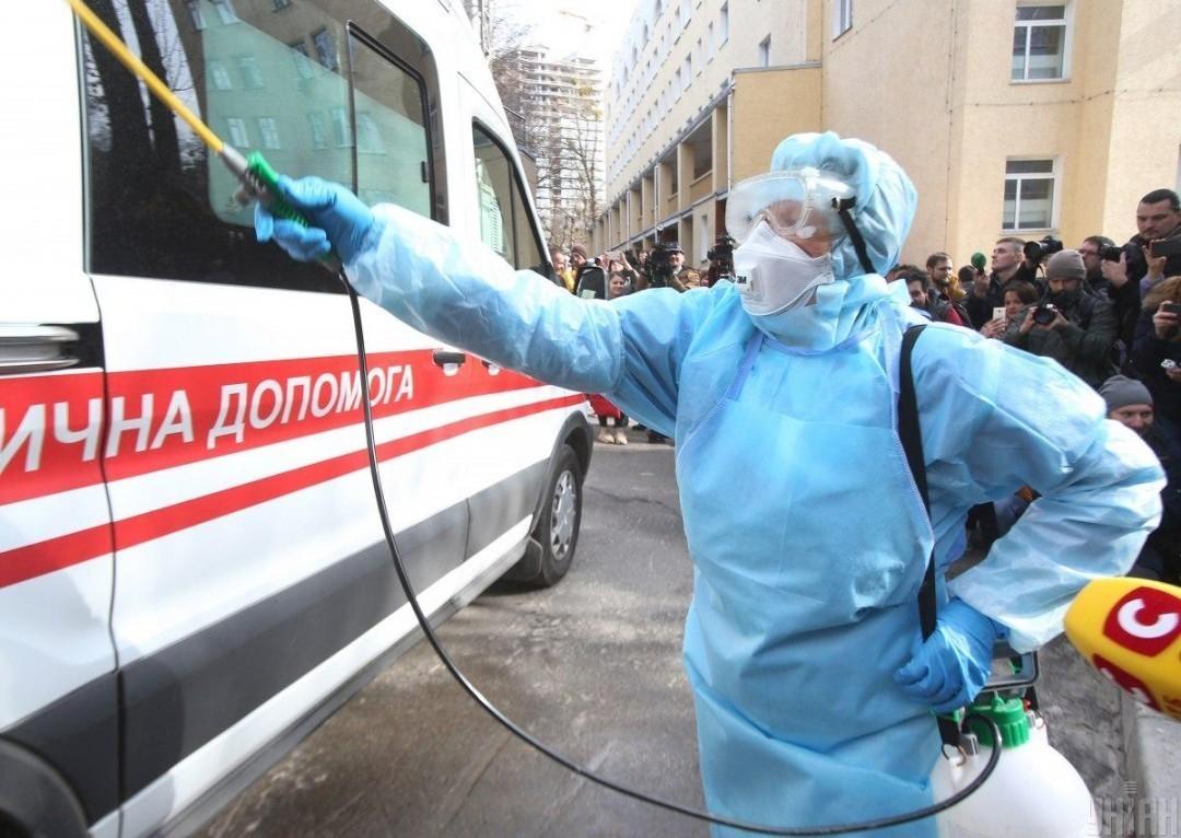 Киев пригрозил своим гражданам полным локдауном
