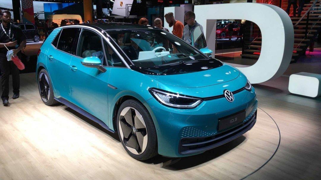 Volkswagen представила свой первый серийный электромобиль