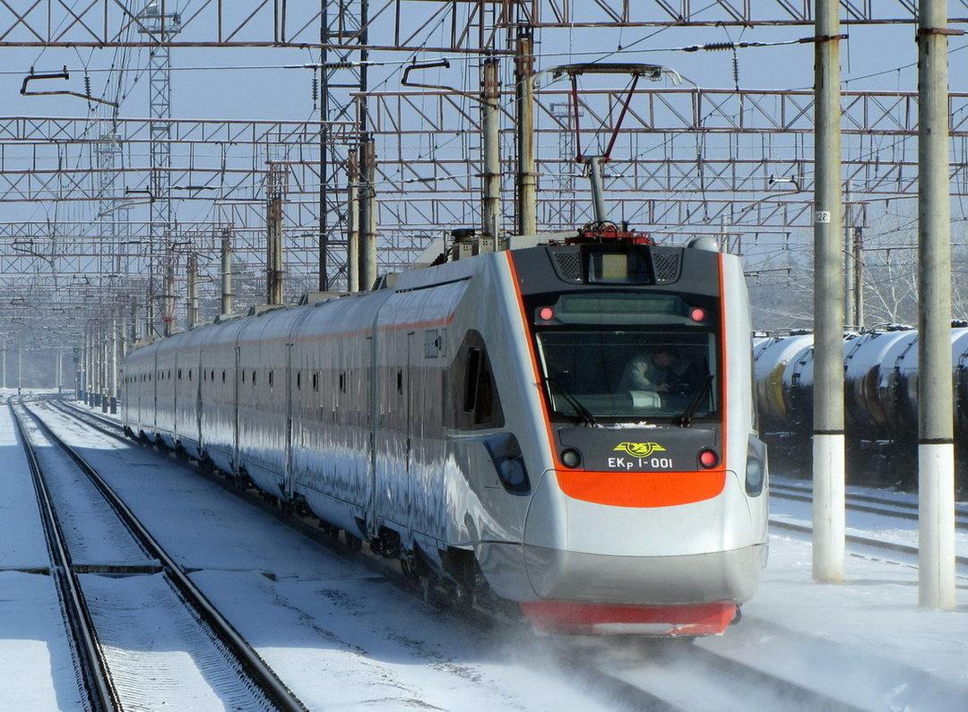 «Укрзализныця» остановила реализацию билетов напоезда надаты после 25марта