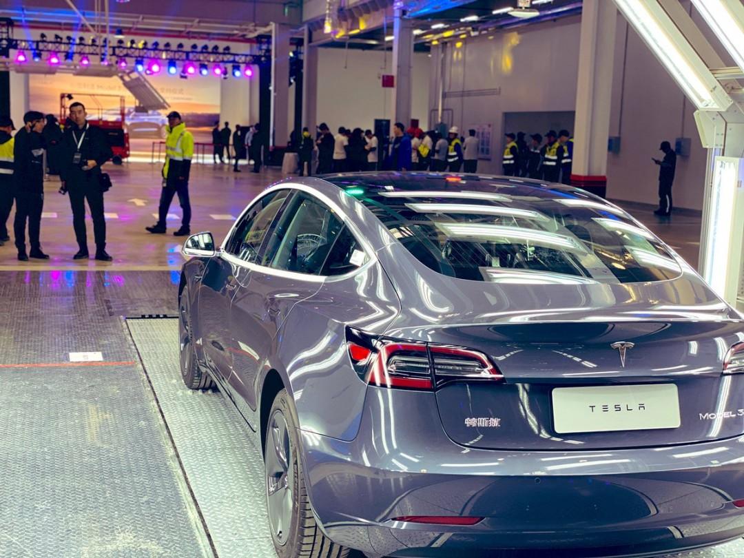 Tesla попрощалась з Китаєм