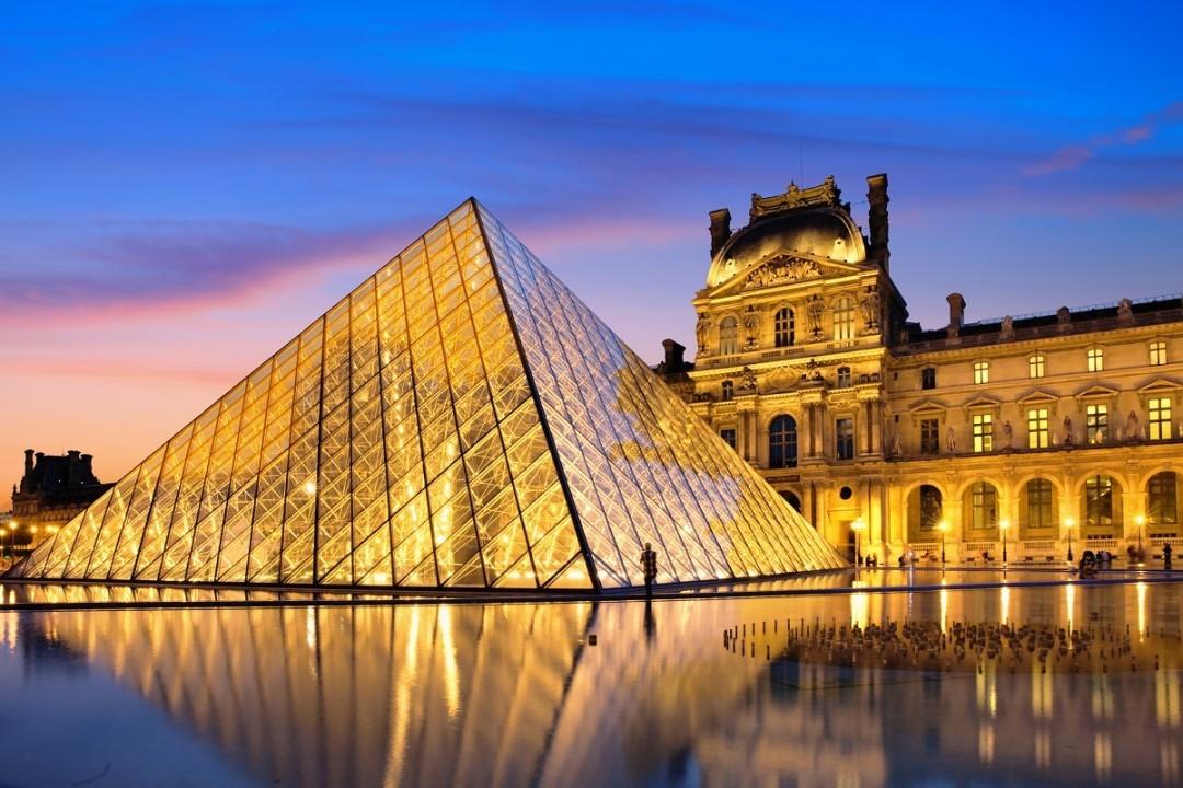 Эпидемия коронавируса: в Париже закрыли Лувр