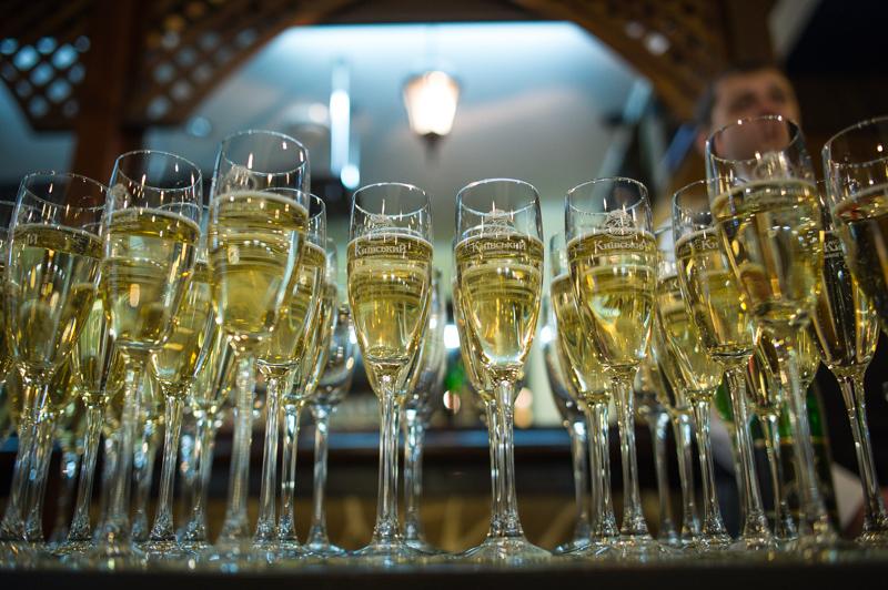 Шампанское в этот вечер был тоже украинское, а точнее — киевское