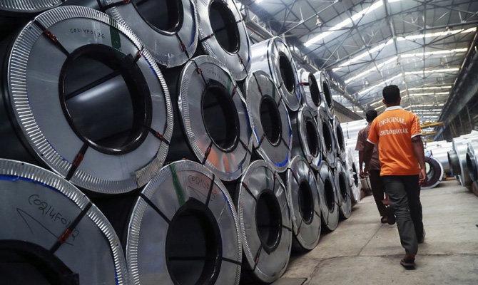 Еврокомиссия пригрозила США «решительным ответом» навведение пошлин наалюминий
