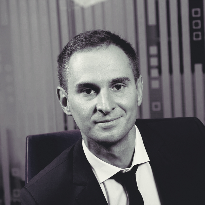 Роман Сологуб