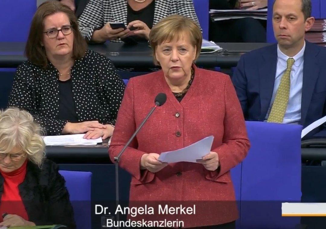 Меркель обещает отомстить Российской Федерации заАзов
