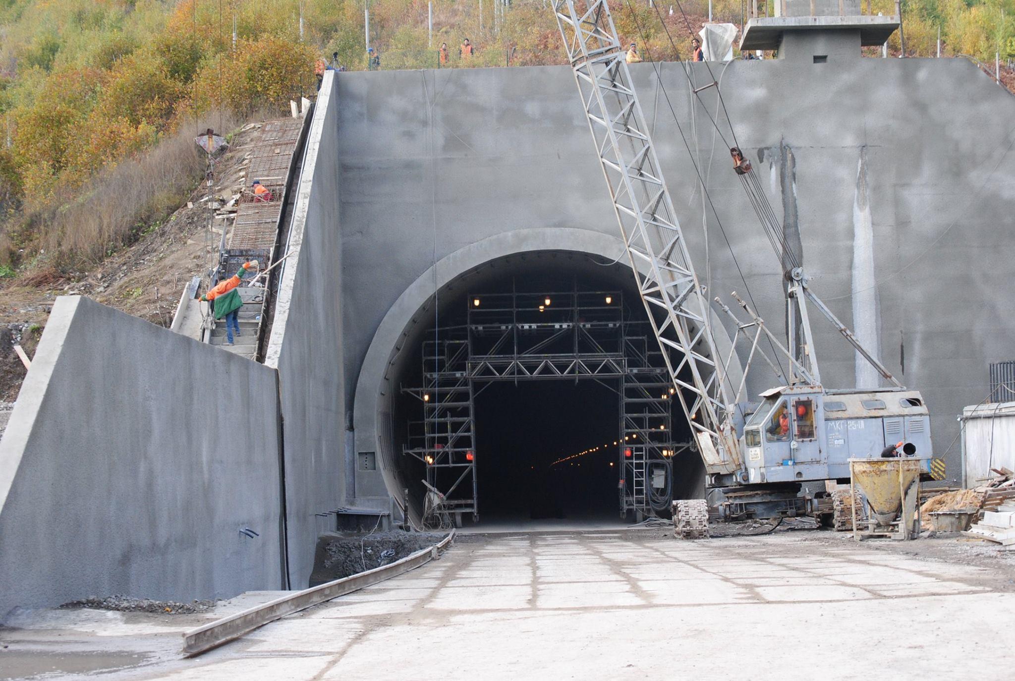 Окончание строительства Бескидского тоннеля в Карпатах. Вид снаружи. Фото: Антон Усов, Facebook