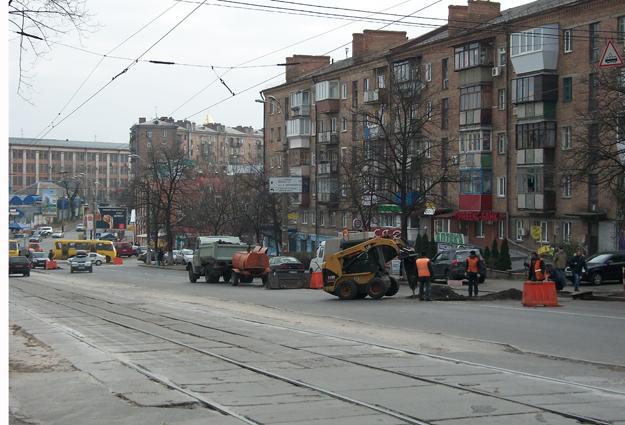 Необычно тихо на ул. Дегтяревской в утренний час пик