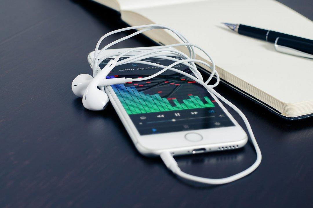 Apple извинилась зазамедление старых iPhone